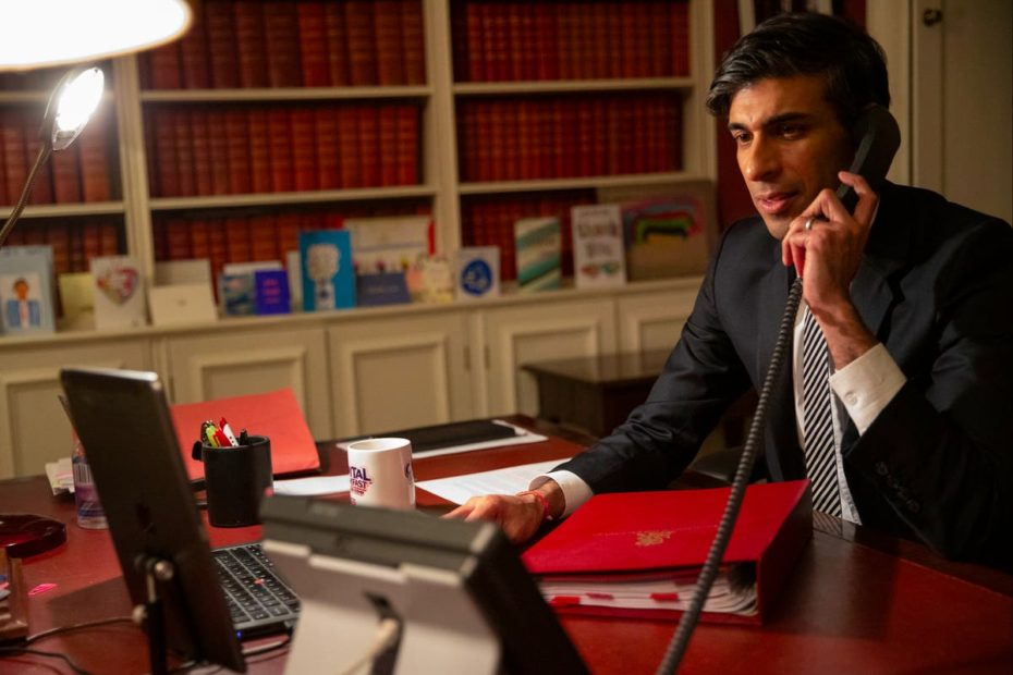 FTSE 100 set to rise as Rishi Sunak prepares to spend another £20 billion on Covid support in his Budget