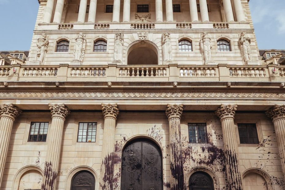Bank of England under growing pressure on interest rates